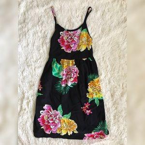 💜 Old Navy Black Floral Spaghetti Strap Dress